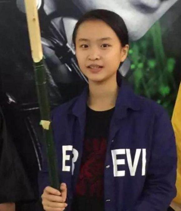 寻找广州少女李燕静 2017年12月1日海珠区江海大道中公交站走失