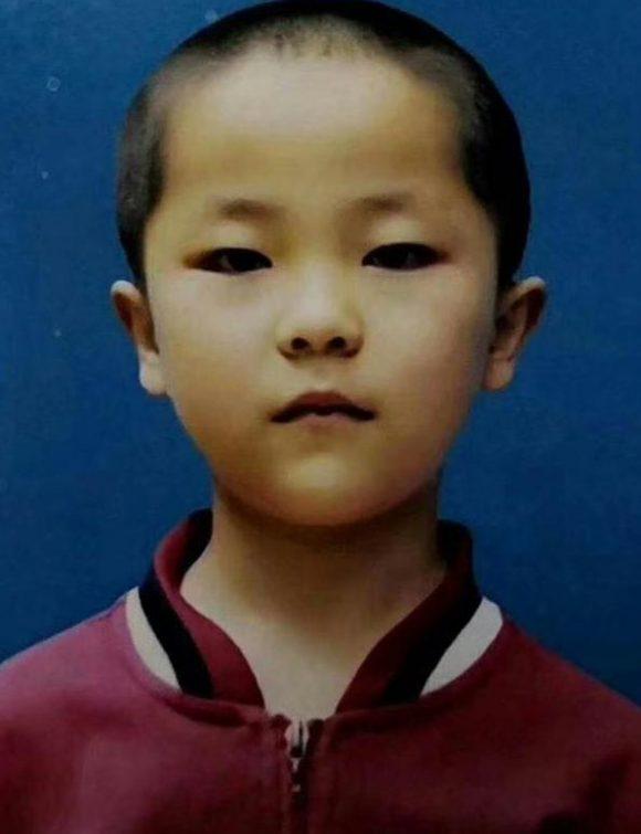 寻找男孩龙云穿2018/8/02在云南昆明失联。